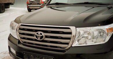 Блогер показал, чтопредставляет собой Land Cruiser 200за1млнрублей — Рамблер/авто
