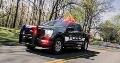 Ford сделал полицейский пикап F-150мощнее ибыстрее — Рамблер/авто