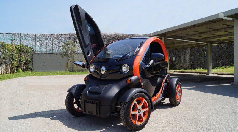 Review: 2018 Renault Twizy   Coolest Electric Car?