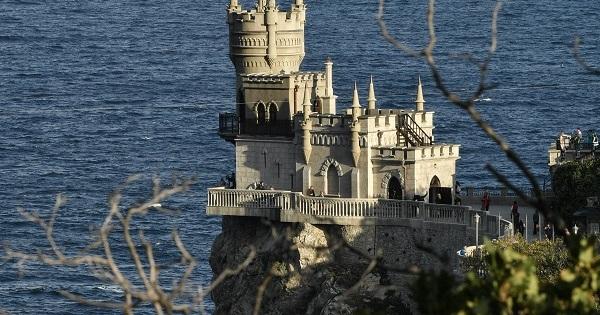 Крым продлил COVID-ограничения для туристов