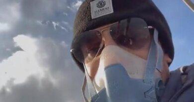 Россиянин перелетел самую высокую гору страны на шаре