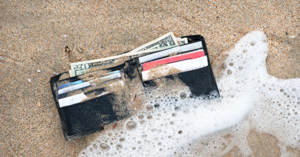 Инструкция: где прятать деньги в путешествии