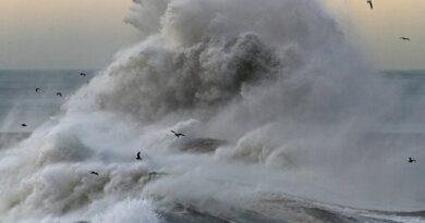 Как Лазаревское разрушил новый шторм: видео