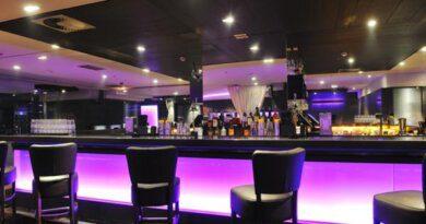 В отелях Антальи нашли 5 тыс. литров поддельного алкоголя