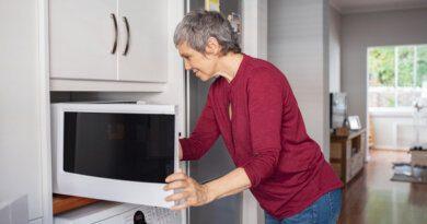 Перец, яйца инетолько: чтонельзя нагревать вмикроволновке&nbsp