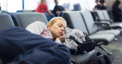 Российские туристы не могут вылететь из Турции