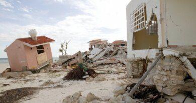 Разрушенный пляж в Сочи вызвал возмущение туристов: видео