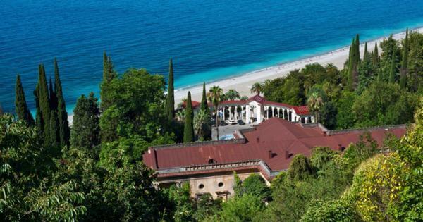 Как сэкономить на отдыхе в Абхазии: инструкция