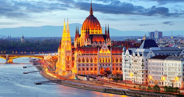 В европейской стране упрощен въезд привитым россиянам