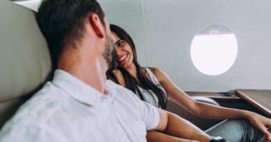 Пассажир признался влюбви погромкой связи наавиарейсе изМосквы