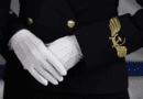 Стюардесса объяснила тайный смысл жестов бортпроводников