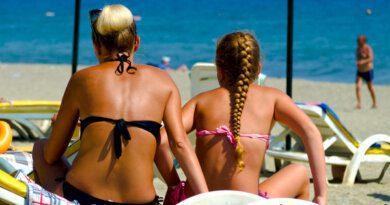 Действия россиянки на пляже в Сочи вызвали споры