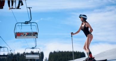Туристка разделась нагоре вСочи иразозлила россиян Девушка прокатилась посклону горнолыжного курорта вСочи безодежды. 15