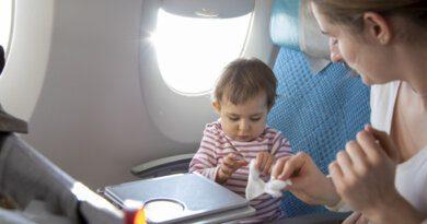 Не трогать руками: 5 самых грязных мест в самолете