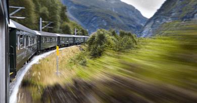 Стало известно, куда россияне путешествуют напоезде Эксперты рассказали, куда чаще всего путешествуют россияне напоезде.