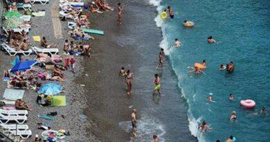 Назван лучший курорт в РФ для пляжного отдыха осенью