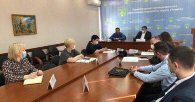 Борис Александров проверил состояние инфраструктуры медучреждений Усинска и обсудил планы по открытию ФАПов