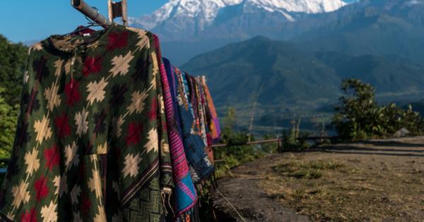 Российские туристы уже год не могут вернуться из Непала