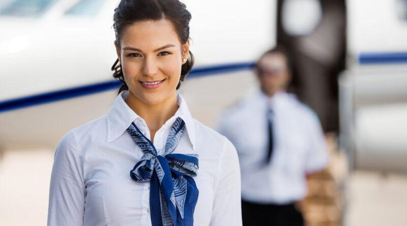 Стюардесса впечатлила пользователей экстравагантным снимком