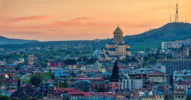 Россиянам объяснили правила посещения Грузии