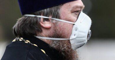 Церковь просит врачей не препятствовать допуску священников к больным ковидом