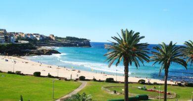 Туристка показала отдых на пляже и получила штраф в 600 тысяч