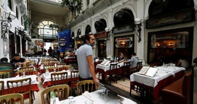 Россияне отказались ходить в рестораны Турции