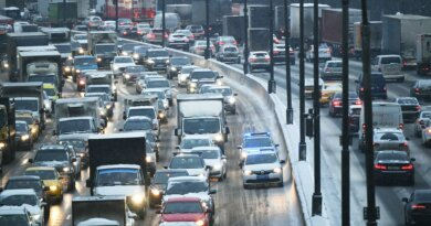 Длязастрявших наМКАД водителей установят более 40точек обогрева ипитания&nbsp