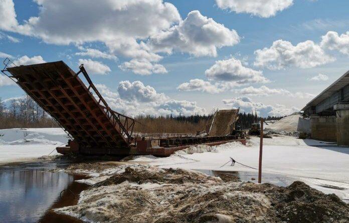 Движение по понтонному мосту через реку Лыжа будет временно прекращено