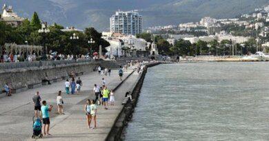 Жители Крыма назвали отличия украинских и русских туристов