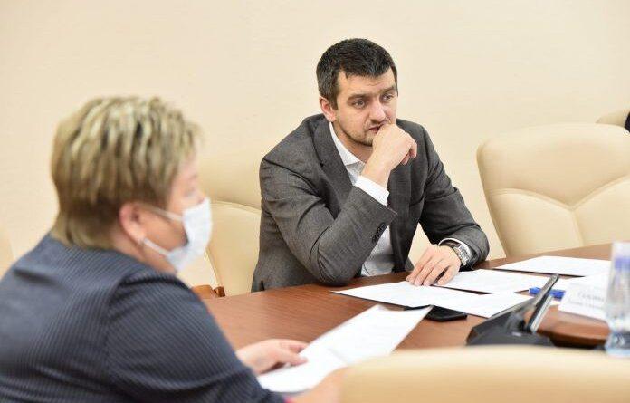 """Евгени Бейков: """"Для начала нужна хорошая дорога, а потом уже можно про мост говорить"""""""
