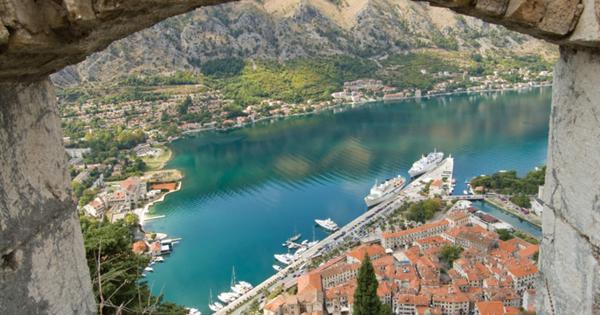 Черногория ввела ужесточенные правила въезда