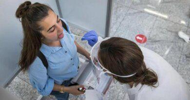 Авиакомпании не пускают вакцинировавшихся «Спутником Лайт» в Турцию