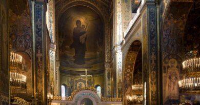 Почему в церквях нельзя фотографировать