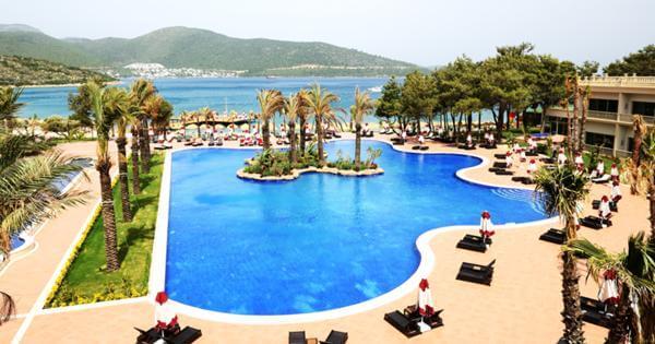 Названы самые безопасные курорты Турции