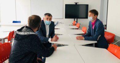 Глава Усинска Николай Такаев посетил пятую школу