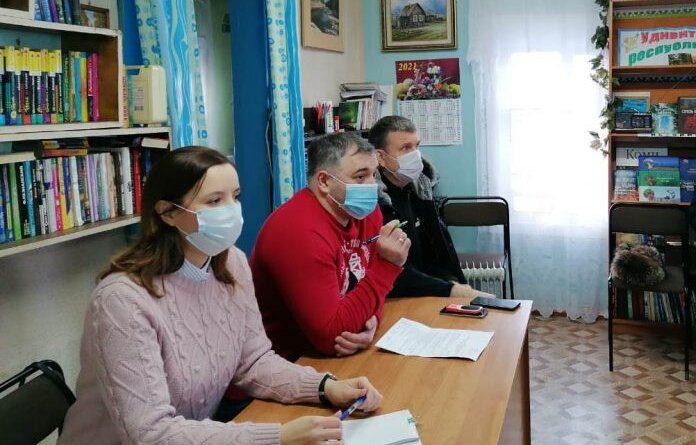 Глава Усинска Николай Такаев посетил с рабочим визитом деревню Акись