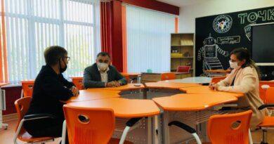 Глава Усинска продолжает рейд по школам города
