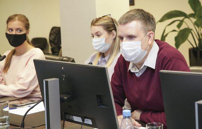 Главврач Усинской ЦРБ рассказал, почему вакцинироваться отCOVID-19 надо два раза