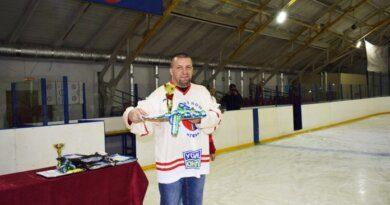 Хоккеисты из Усинска и Печоры привезли домой серебро