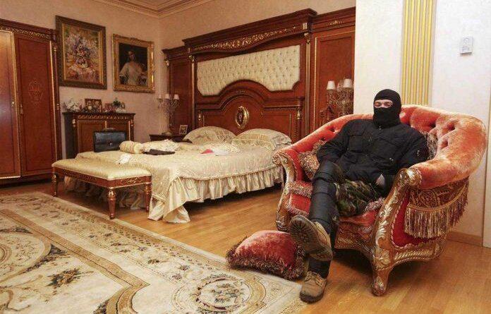 Изъятое у чиновников роскошное жилье предложили отдать очередникам-льготникам