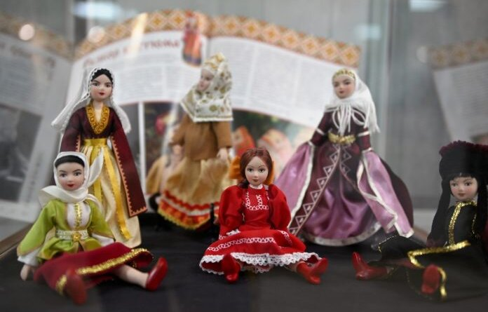 """Краски мира, народные костюмы и сказки: что приготовила для усинцев """"Ночь искусств"""""""