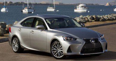 Lexus оставит европейцев безтрёх моделей