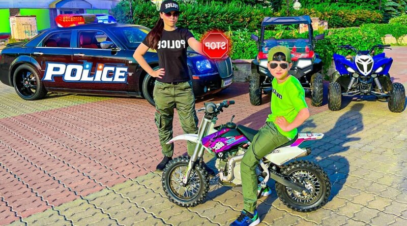 Den ride on Car Sportbike and Quad Bike - Compilation for kids