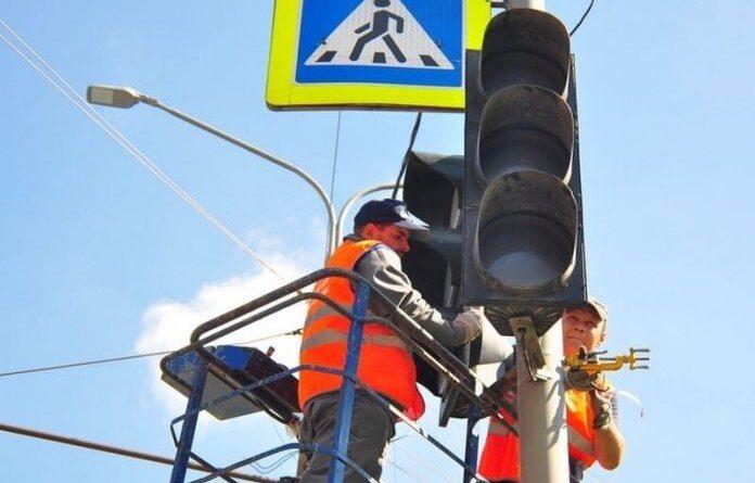 На перекрёстке Строителей и Нефтяников отключат светофоры