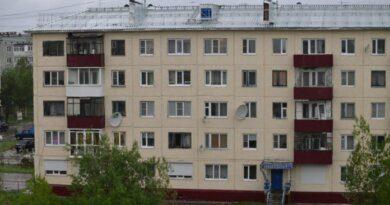 """Народный контроль: """"Новая крыша не выдержала порывов ветра"""""""
