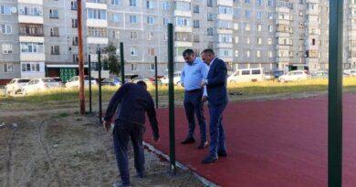 Николай Такаев лично проверяет ход стройки во дворе по Молодёжной