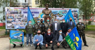 Николай Такаев почтил память воинов–десантников
