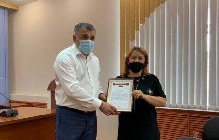 Николай Такаев вручил благодарности руководителям усинских сел