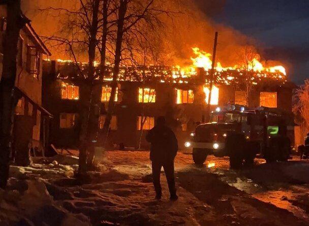 Ночью в Усинске горел дом